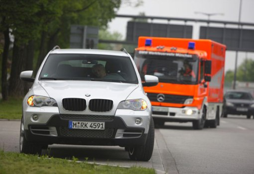 bmw-x5-passout-emergency-580