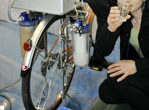 Cycloclean La Bici Que Limpia El Agua: Sistema Purificador De Agua En Una Bicicleta